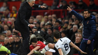 Premier League: il Liverpool strapazza l'Everton nel derby, scherzetto dello United a Mou