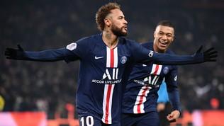 Una magia di Mbappée Neymar tengono il Marsiglia a distanza