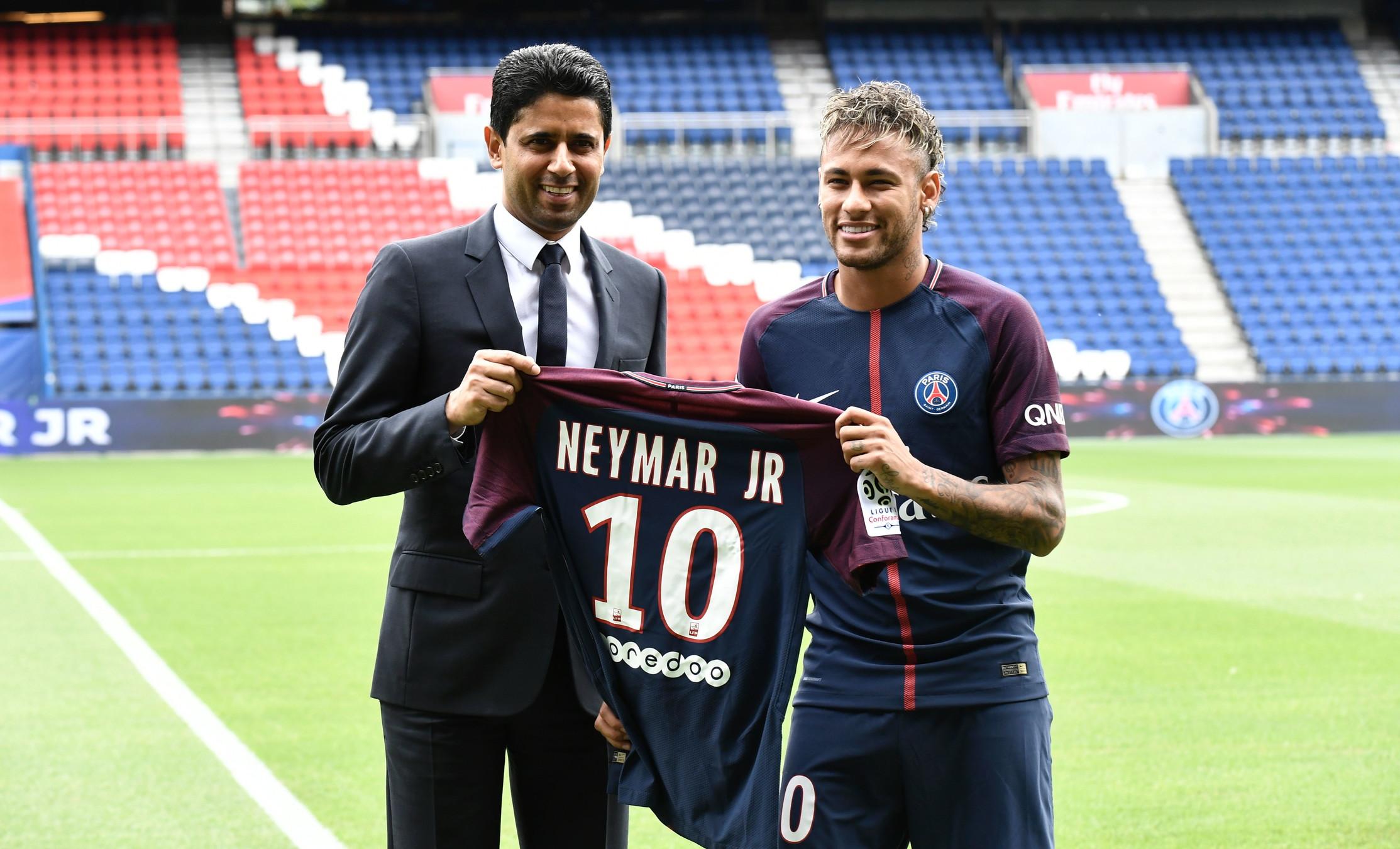 2) Paris Saint Germain: -901,3 milioni di euro