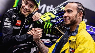 """Hamilton: """"Rossi una leggenda, eccitato dallo scambio"""""""