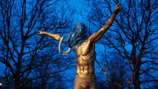 Malmoe, vandalizzata la statua di Zlatan Ibrahimovic