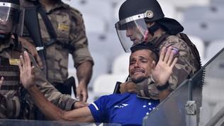 Cruzeiro per la prima volta in B: disordini allo stadio