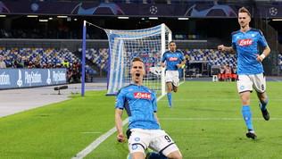 Super-Milik porta il Napoli agli ottavi: azzurri secondi del girone
