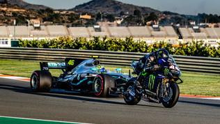Rossi-Hamilton: le foto sul circuito di Valencia