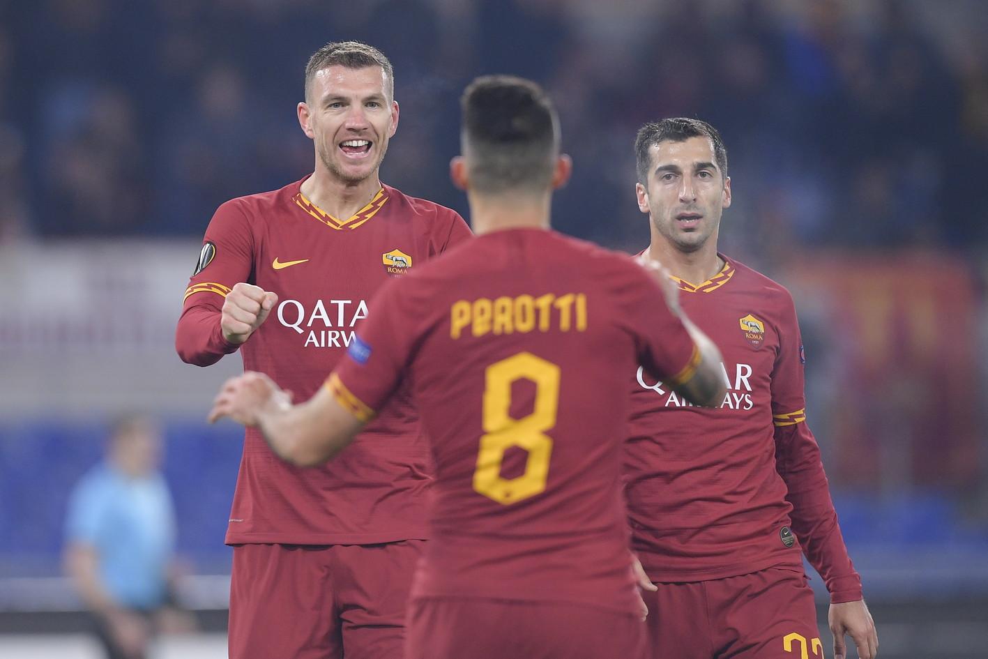 Nell'ultimo match della fase a gironi d'Europa League, la Roma pareggia 2-2 col Wolfsberge si qualifica per i sedicesimi. All'Olimpico, la squadra di Fonseca sblocca il risultato al 7' con un rigore di Perotti ma viene ripresa dalla sfortunata autorete di Florenzi al 10'. Dzeko riporta avanti i giallorossi al 19', poi al 63' Weissmanpareggiadi testa. La Roma chiude seconda nel Gruppo J alle spalle del Basaksehir.