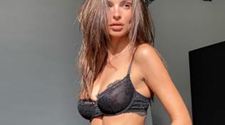 Emily Ratajkovski in lingerie, Instagram va in tilt