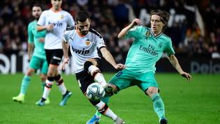 Il Real si salva nel recupero: a braccetto col Barça in vetta
