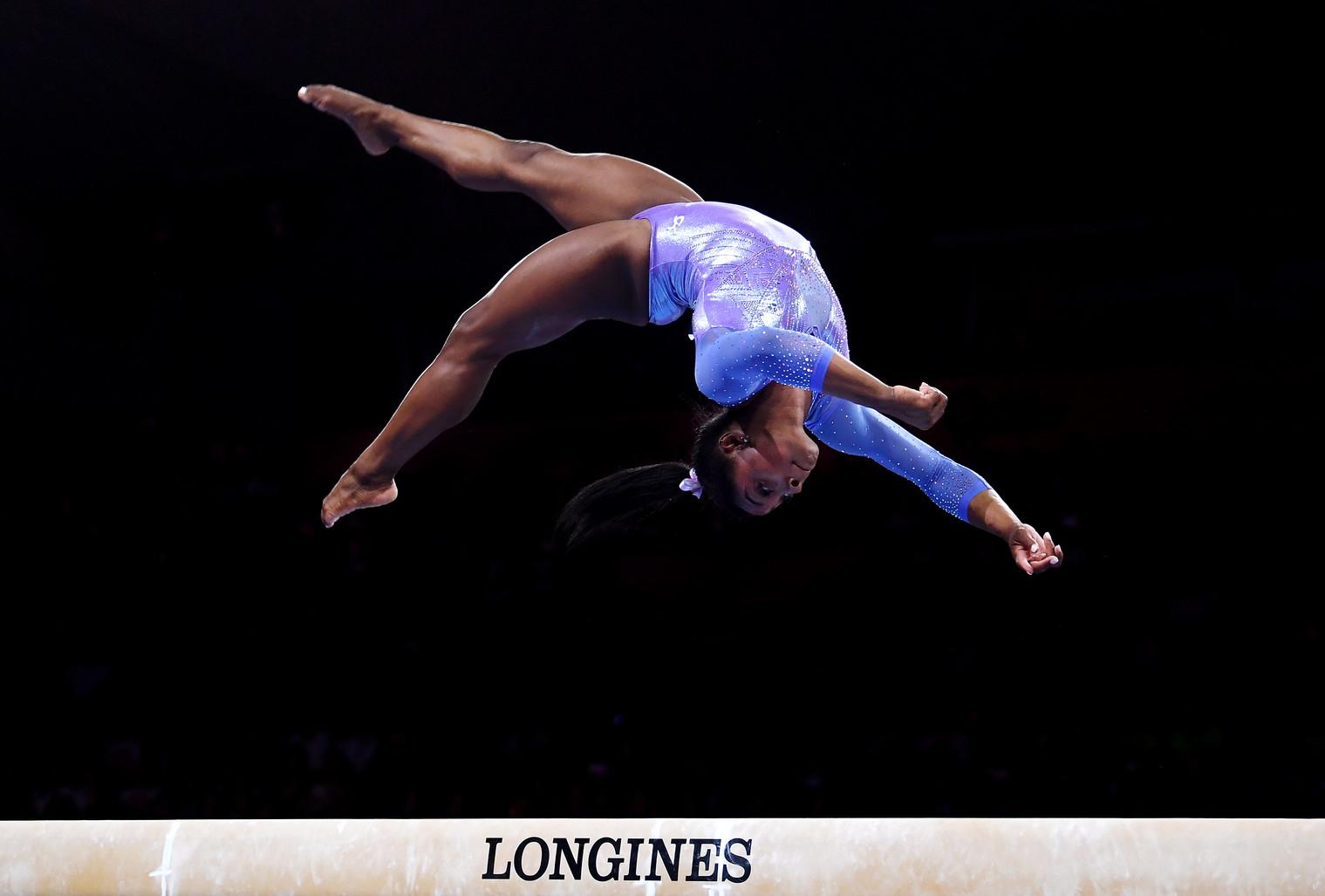 4) Simone Biles (ginnastica)