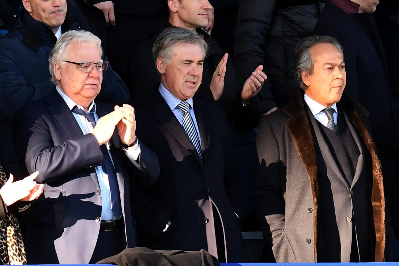 L'ex tecnico del Napoli è il nuovo manager dell'Everton. Il debutto nella tribuna dello stadio di casa per il match contro l'Arsenaldel neo tecnico Arteta.