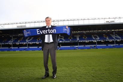 """""""Adoro allenare e sono davvero appassionato del mio lavoro. Ora lavoro per l'Everton, èun club fantastico, e il mio sogno e' portarlo nelle prime posizioni della Premier League il prima possibile"""".CosìCarlo Ancelotti nella conferenza stampa di presentazione come nuovo allenatore dell'Everton."""