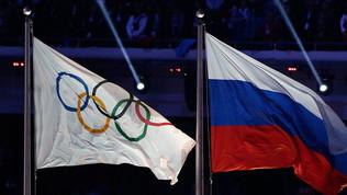 """Russia, Comitato olimpico all'attacco: """"Ai Giochi sotto bandiera nazionale"""""""