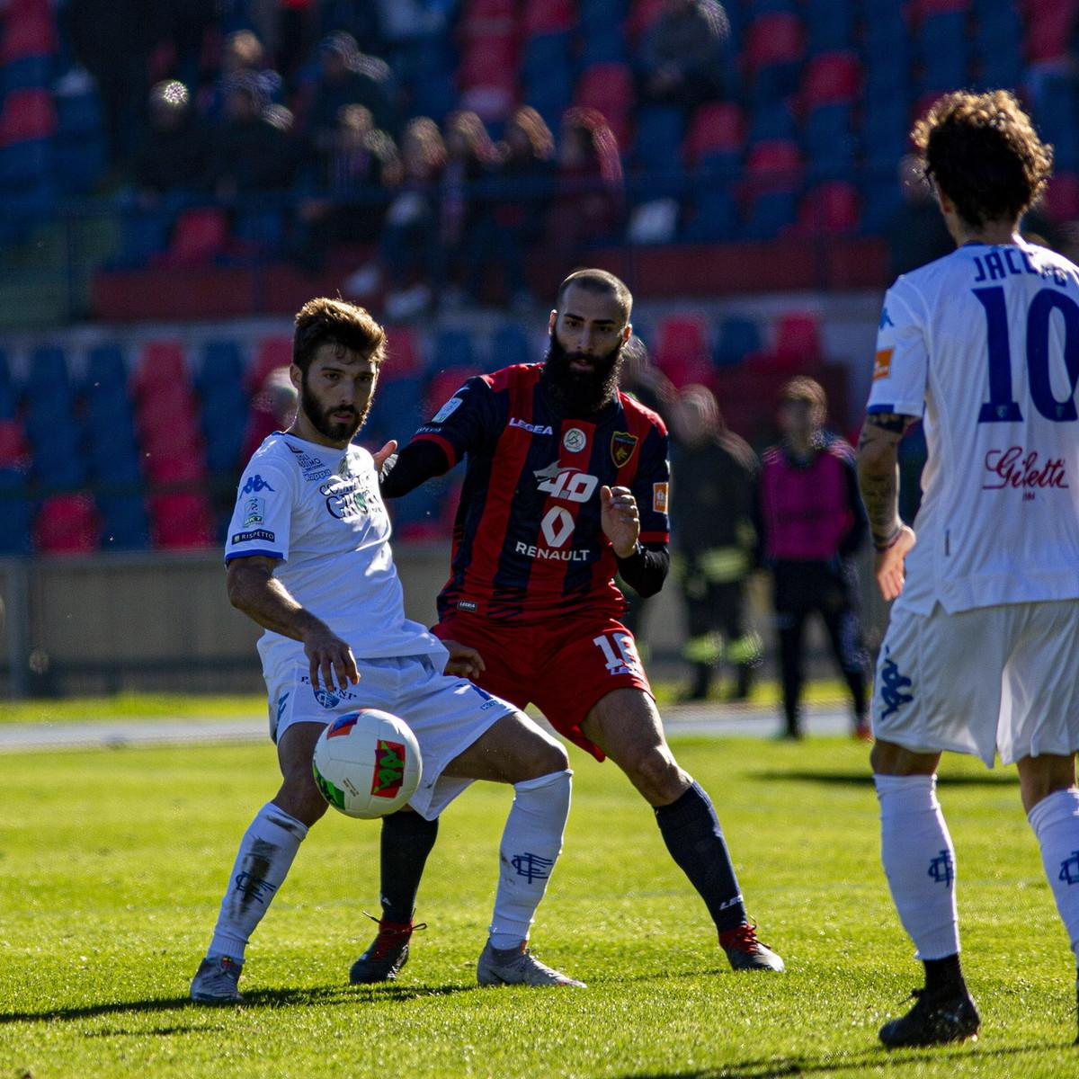 Serie B: Baez fa respirare il Cosenza, Empoli sconfitto e arrabbiato