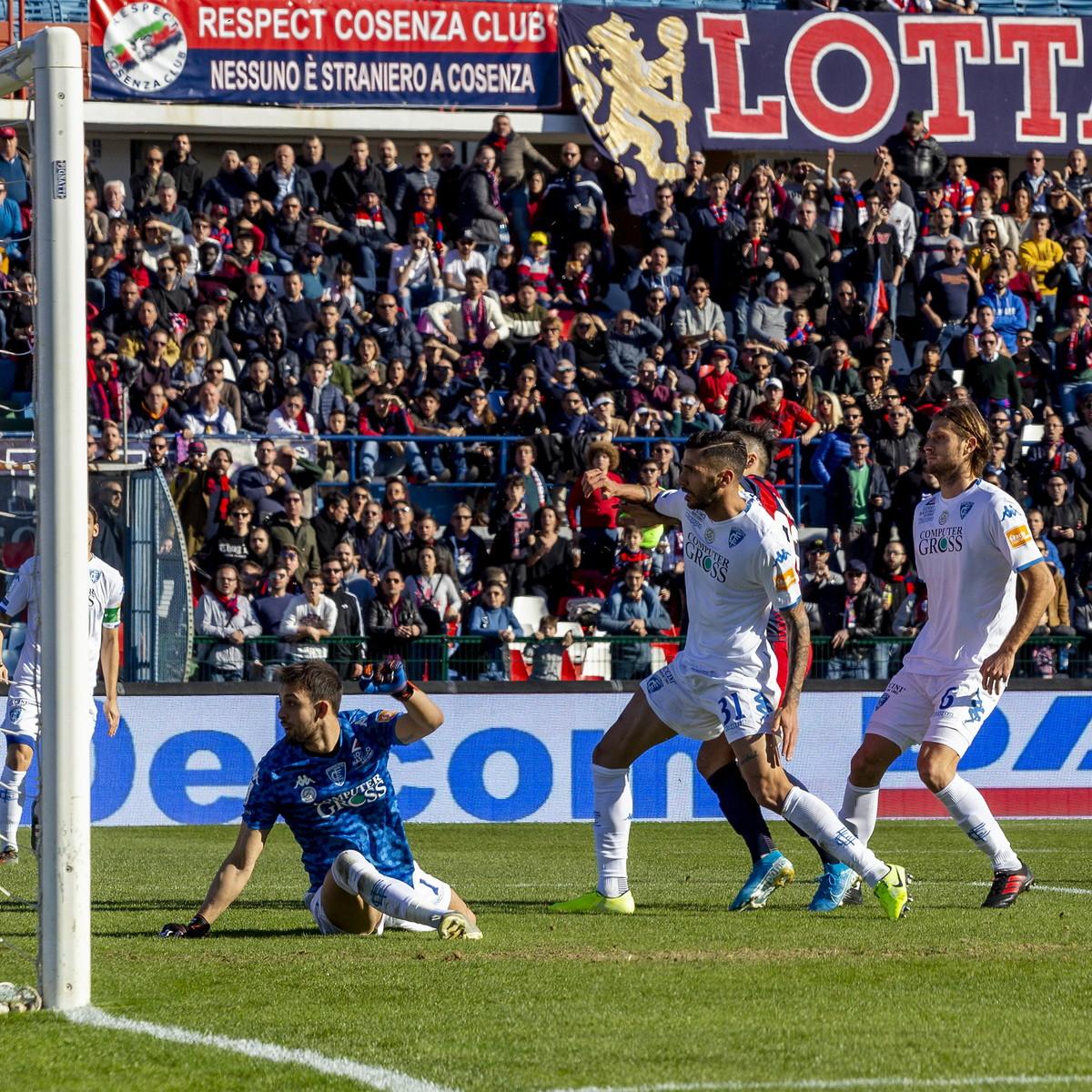 Serie B: il Benevento fa sei di fila e vola a +12, crolla il Pordenone