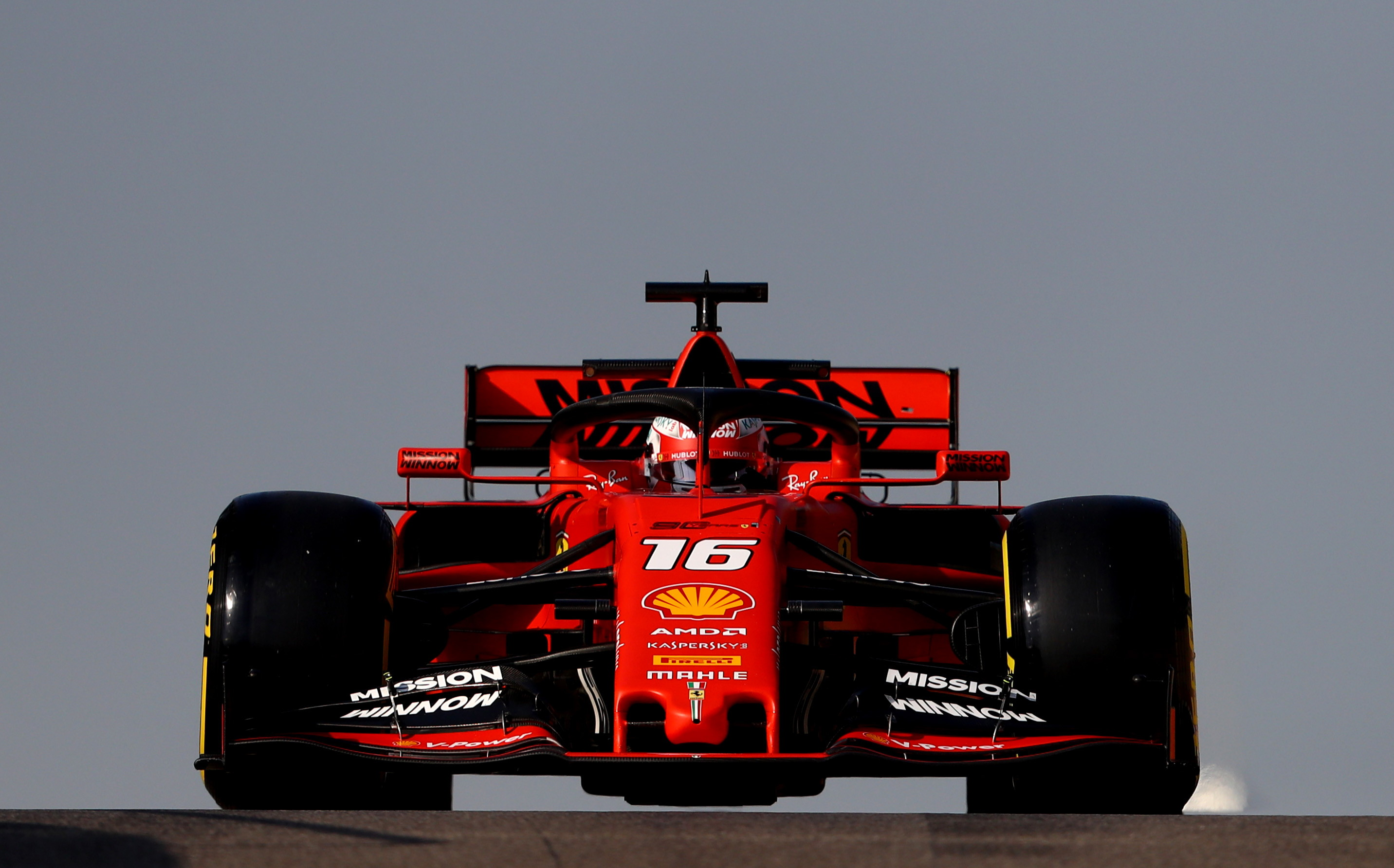 1) Ferrari (1.350 milioni di dollari di valore; 426 milioni di dollari di ricavo)