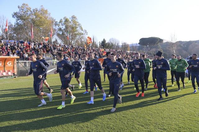 """Oltre duemila tifosi hanno preso d'assalto il centro """"Tre Fontane"""" il giorno di Capodanno"""
