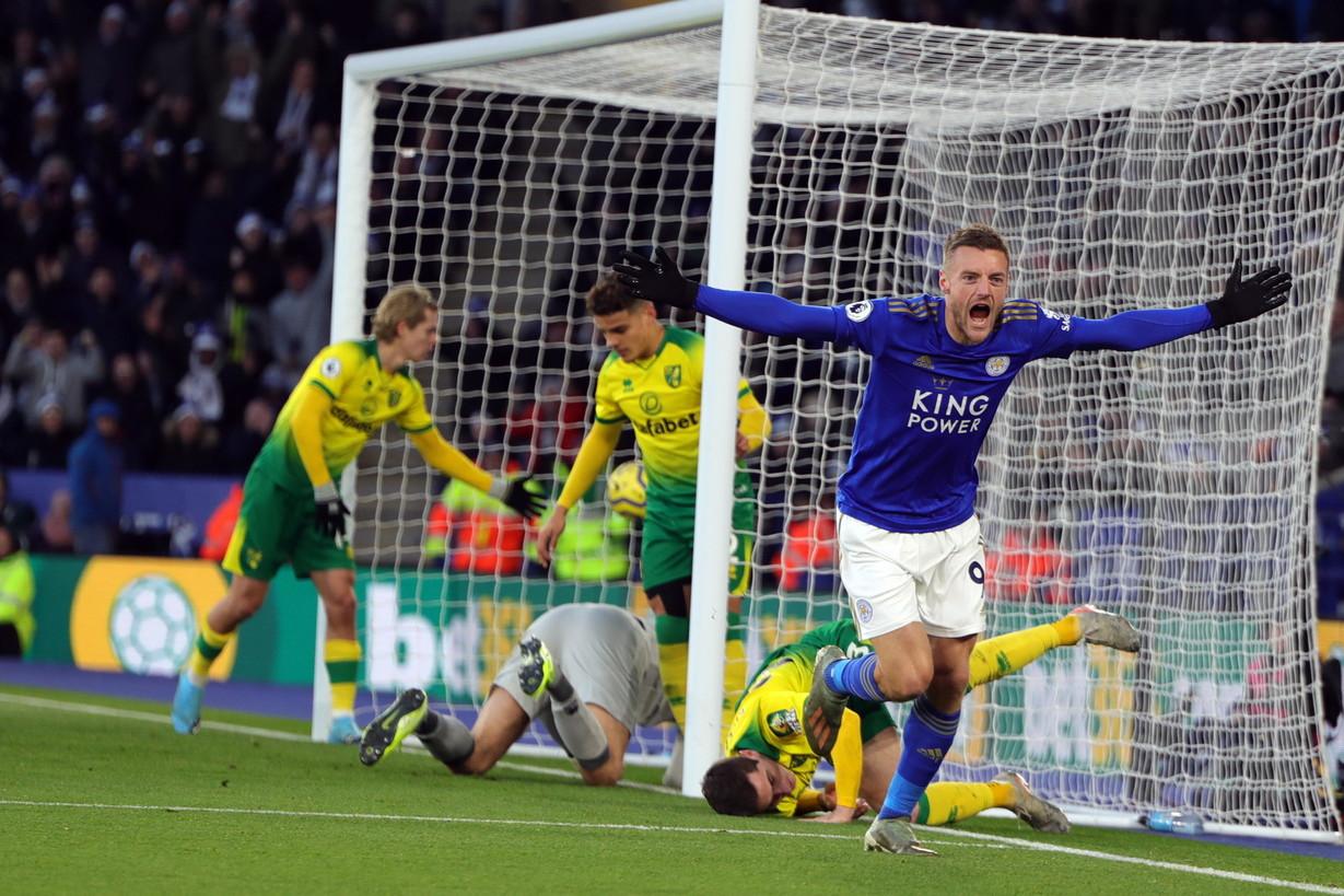 4. Jamie Vardy, Leicester (17 gol, 34 punti)