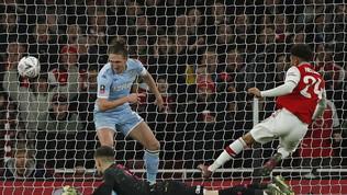 FA Cup: l'Arsenal fatica, poi il ventenne Nelson abbatte il Leeds United