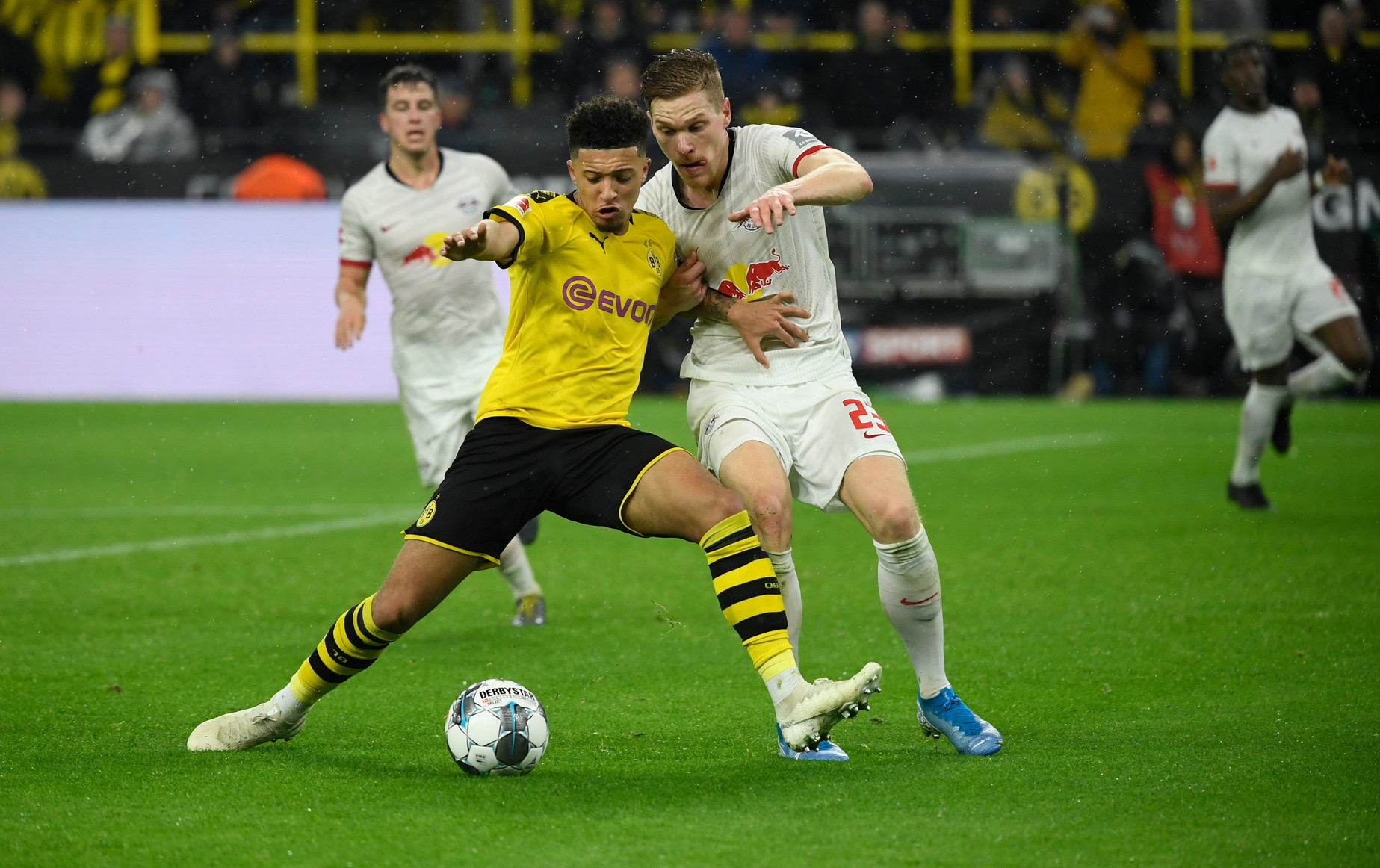 Jadon Sancho (Borussia Dortmund): 168,9 milioni