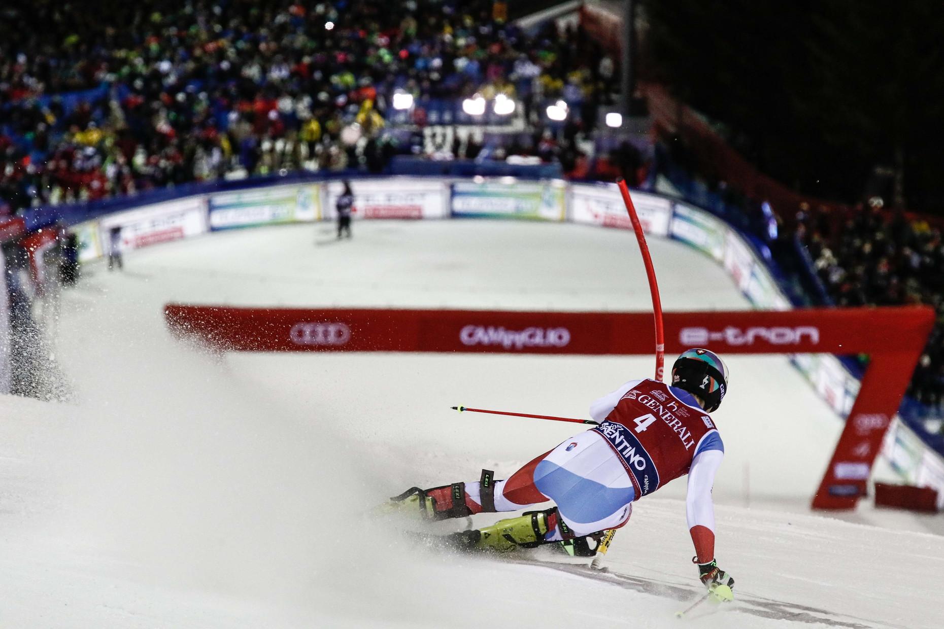 Gli azzurri deludono nello slalom vinto da Yule