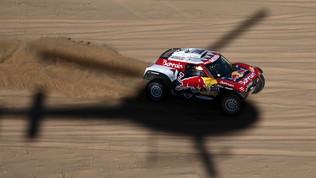 Dakar 2020: a Peterhansel la sesta tappa, Brabec allunga tra le moto
