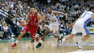 Basket, Serie A: Virtus Bologna a valanga a Roma, Sassari risponde, Milano strapazza Treviso