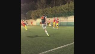 Calcio a 8, Totti segna su punizione come con la Roma
