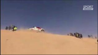 Dakar 2020, incidente per Alonso:si ribalta due volte in volo