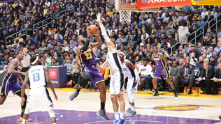 Nba: Lakers sorpresi da Orlando, Carmelo Anthony si vendica su Houston, italiani ko