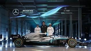 Mercedes, San Valentino hot: si toglierà i veli a Silverstone