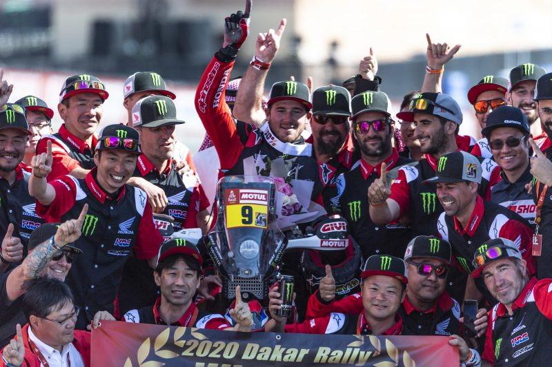 Lo spagnolo della Mini ha trionfato per la terza volta, l'americano della Honda ha interrotto il dominio Ktm