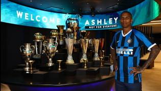 """Inter, Young è ufficialmente nerazzurro: """"Vinceremo ancora"""""""