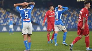 Napoli, ritiro già finito: giocatori a casa dopo l'allenamento