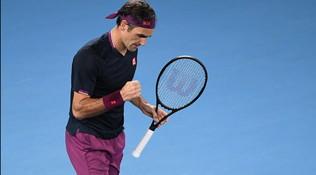 Djokovic fatica ma avanza, tutto facile per Federer