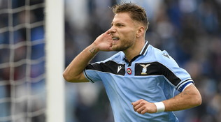 Scarpa d'Oro: Immobile stacca Lewa, CR7 sale in top 5
