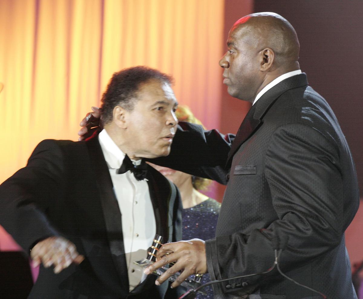 18 marzo 2006: Muhammad Alì e Magic Johnson