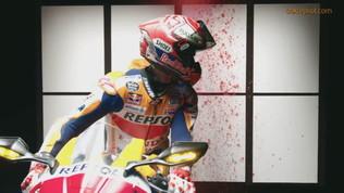 """Marquez""""diventa pittore ma il pennello è la... moto"""