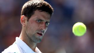 Djokovic vola agli ottavi, inatteso ko perSerena Williams
