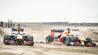 La Red Bull gioca con la sabbia