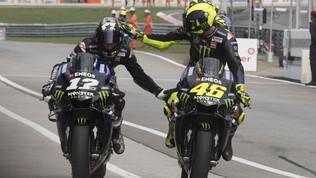 Vinales rinnova con la Yamaha, attesa per il futuro di Rossi