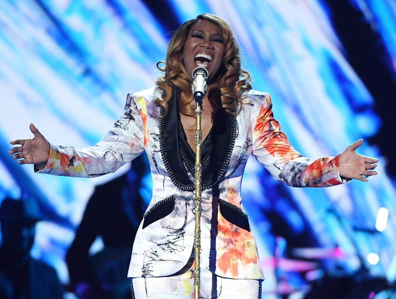 """Yolanda Adams, cantante di gospel, si esibirà con """"America the Beautiful""""."""