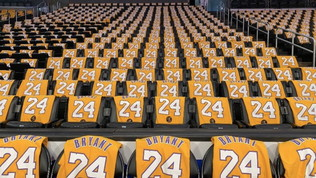 Lo Staples Center ricorda Kobe: per tutti maglie numero 24 e 8