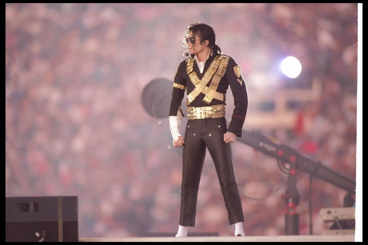 Anche il re del pop, Michael Jackson, si è esibito durante l'halftime show nel 1993. I fan tuttavia non apprezzarono il massiccio uso del playback.