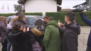 I tifosi abbracciano Conte ad Appiano