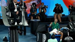 """Djokovic, furia contro l'arbitro: """"Sei diventato famoso, ottimo lavoro"""""""