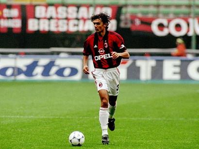 GIOCATORE CON PIÙ DERBY: Paolo Maldini (53)