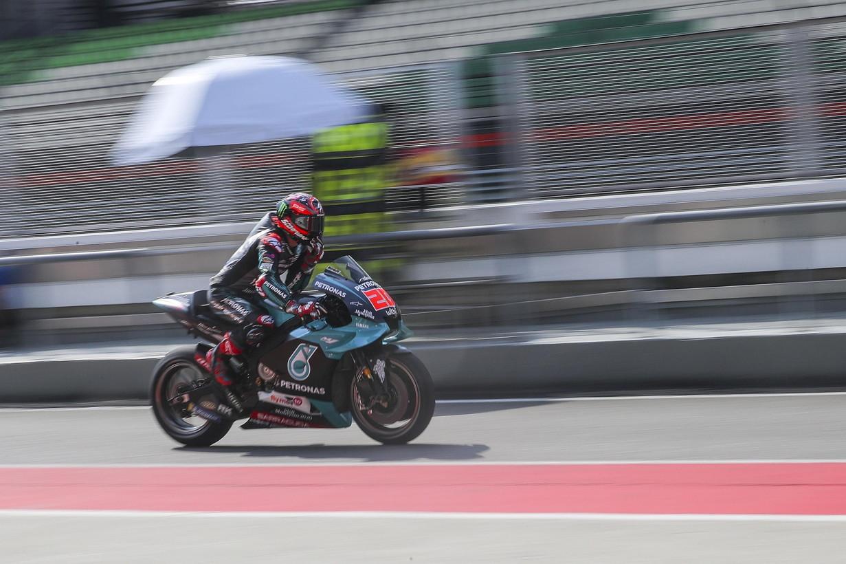 E'Quartararo il più veloce nella prima giornata dei test di MotoGP a Sepang. Il pilota francese si è messo tutti dietro col te...