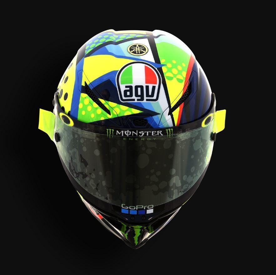 """La MotoGP torna in pista e Valentino Rossi sfoggia un casco con una livrea speciale per i test di Sepang. Come al solito nella grafica ci sono i due simboli che da sempre accompagnano in sella il """"Dottore"""", ma il sole e la luna questa volta sono stati proposti con uno stile moderno e colori fluo."""
