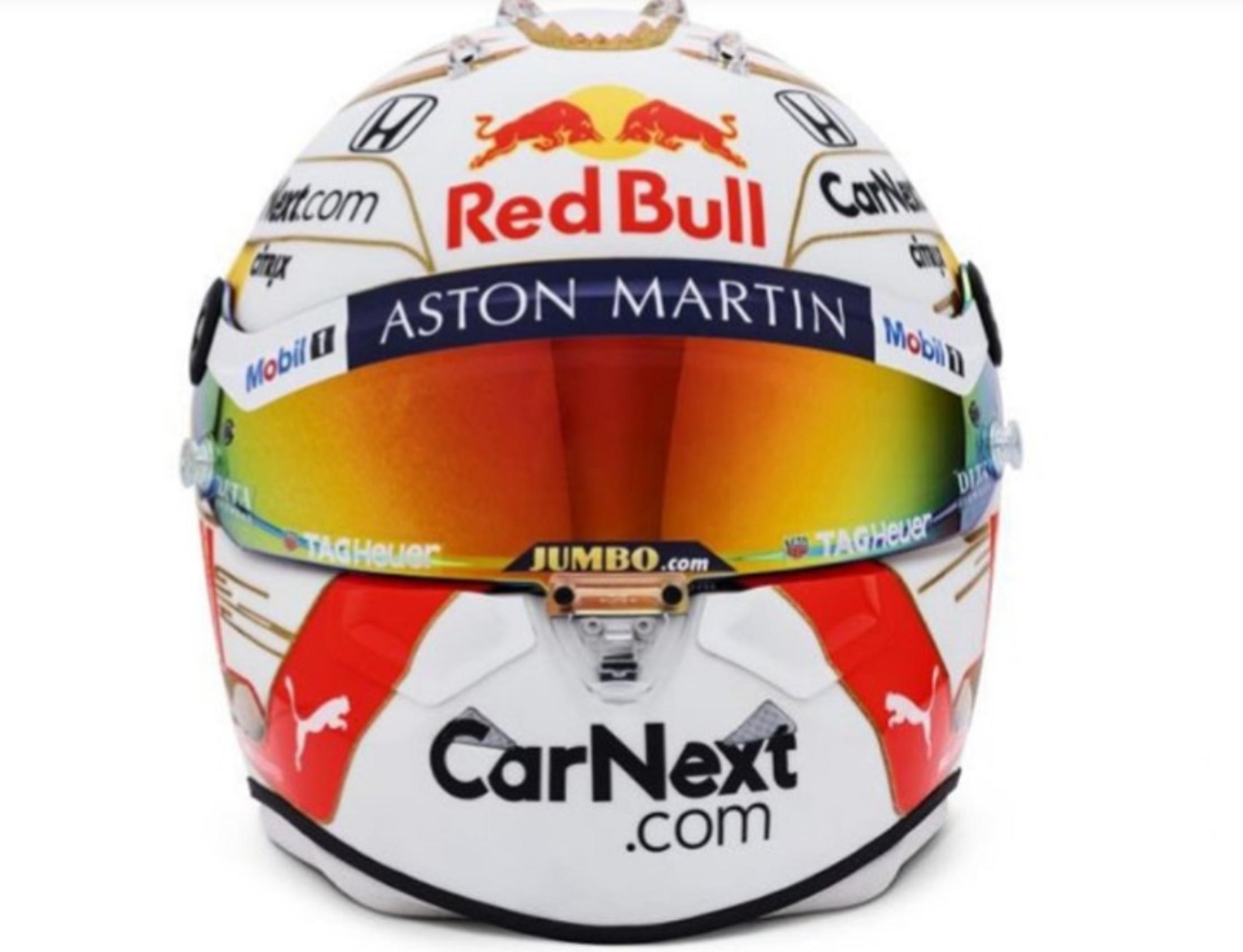 I due piloti della scuderia austriaca hanno svelato le rispettive colorazioni per la stagione che sta per cominciare: Max introduce delle rifiniture o...