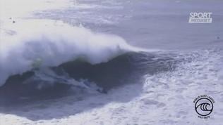 Surf, l'onda inghiotte Botelho: grave incidente