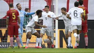 Valanga Bayern sul Colonia, Flick torna in testa